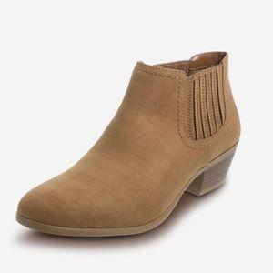 Shanna Chelsea Boot